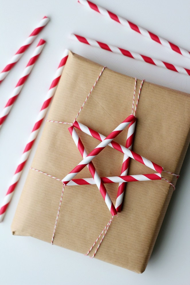 straw-paper-wrapping-gift