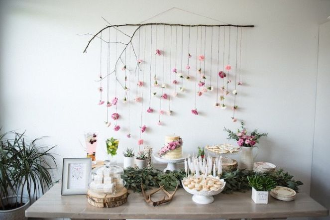 Throw-a-Fresh-Flower-Shower-Table-arrangement