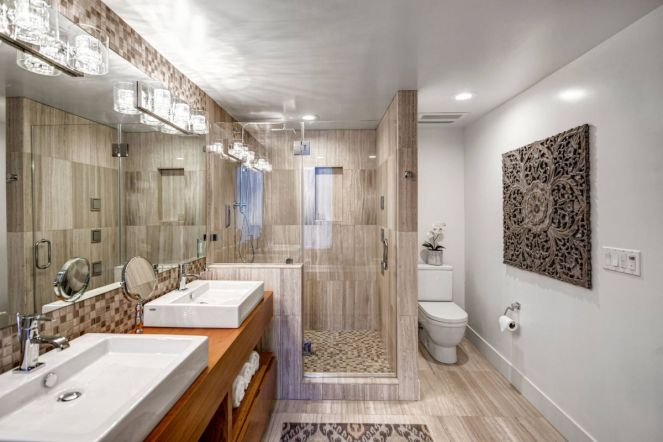 Contemporary-bathroom-with-wood-accents
