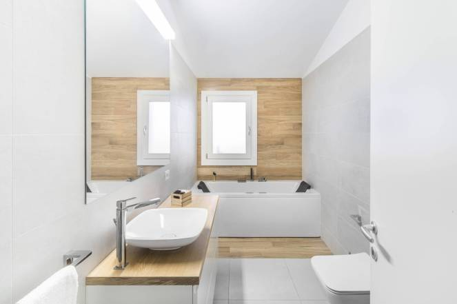 Modern-bathroom-wall-floor-wood