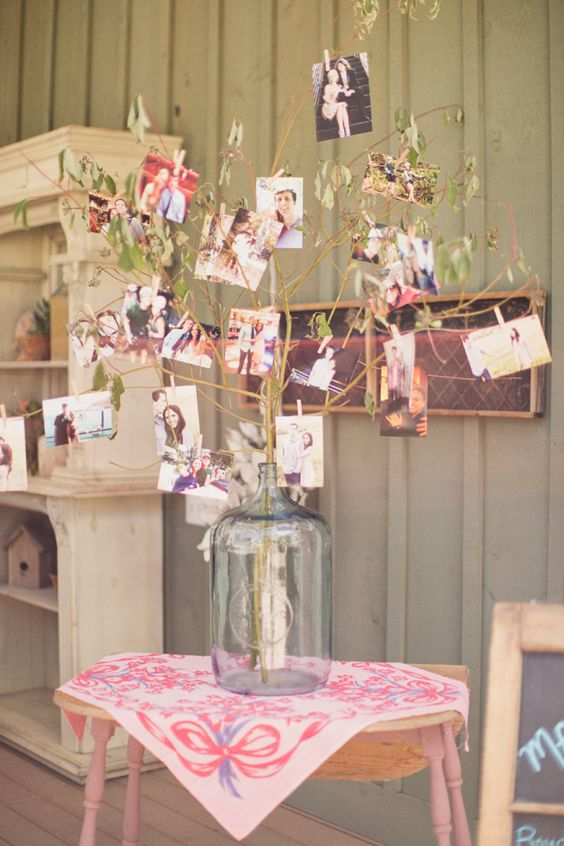 Rustic-Vintage-Wedding-Photo-Display